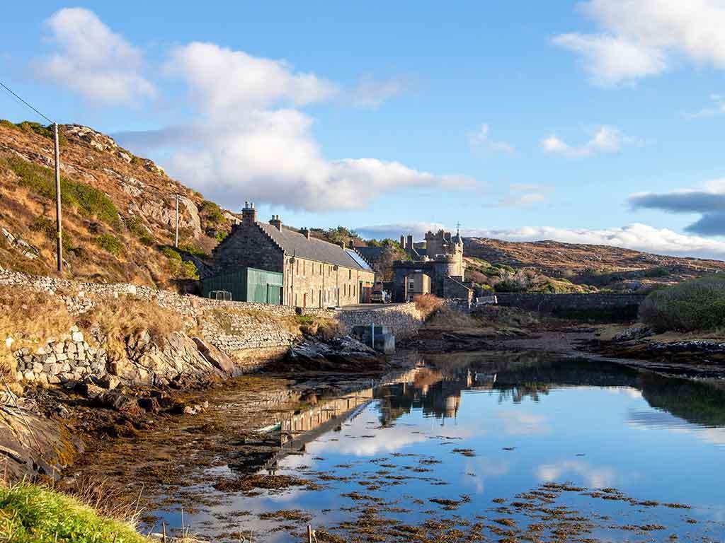 Scottish holiday cottages to sleep 4 and 6. Isle of Harris, Outer Hebrides, Scotland