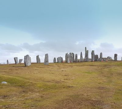 Harris and Lewis touring, Harris tweed, Callanish Stones, Gearrannan and Arnol Blackhouses, Iron Age house on the beach at Bosta.