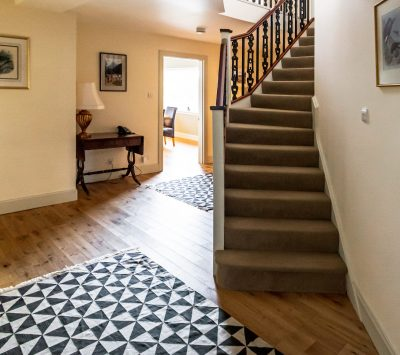Morsgail Lodge, Isle of Lewis holiday accommodation: fully modernised, providing comfortable accommodation for up to 10 guests
